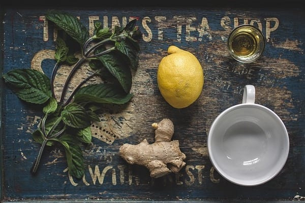 Ingwer-Zitronen-Wasser