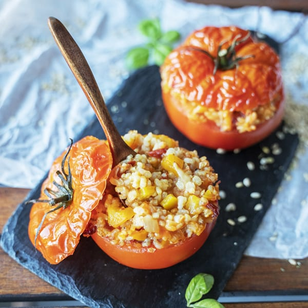 Tomaten mit gekeimtem Naturreis